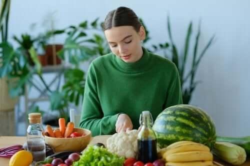 Światowa Organizacja zdrowia zaleca jedzenie owoców i warzyw