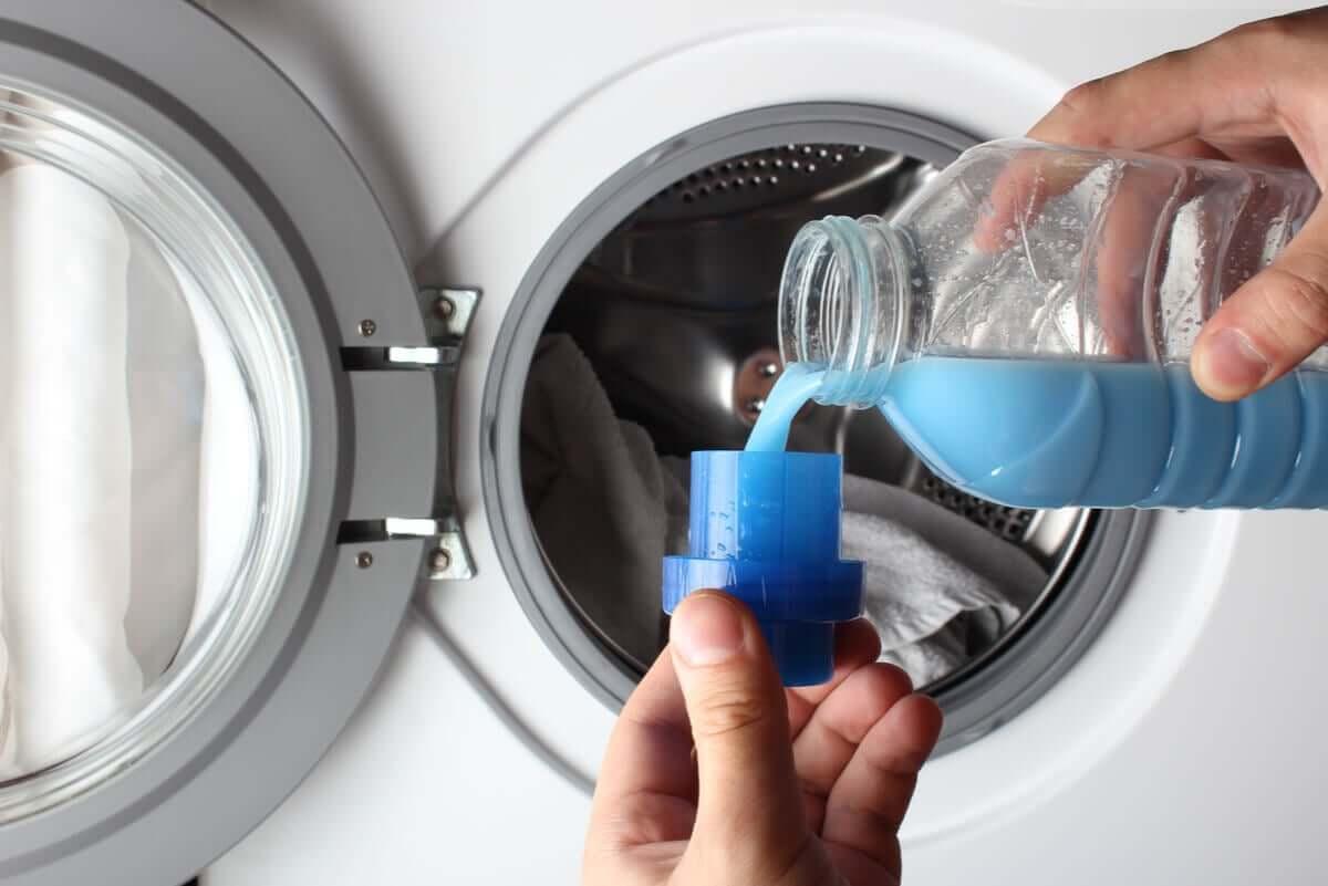 Nie używaj detergentów, by nie zniszczyć pościeli chemikaliami.