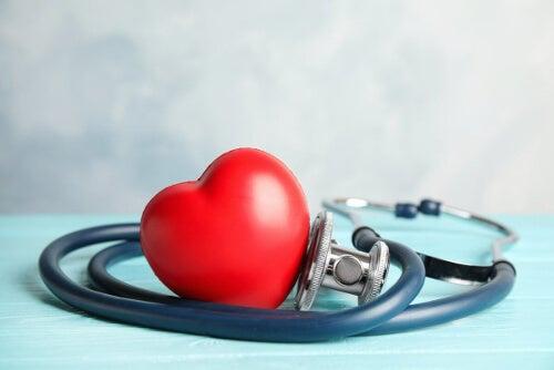 Lipodystrofia zwiększa ryzyko chorób sercowo-naczyniowych.