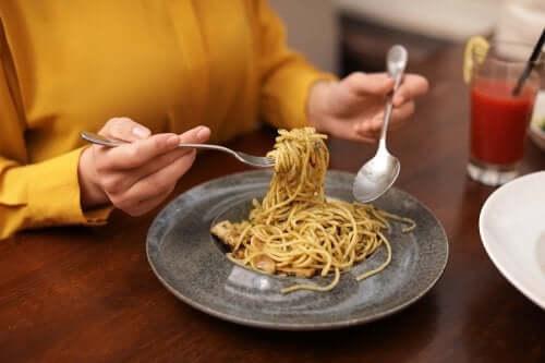 Czy można jeść węglowodany na kolację i nie tyć?