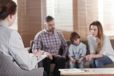 Terapia rodzinna - kiedy staje się konieczna?