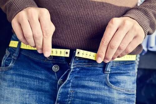 Dlaczego ludzie przybierają na wadze? Dowiedz się!