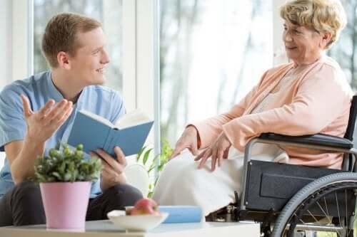 Jak zapewnić towarzystwo starszym osobom?