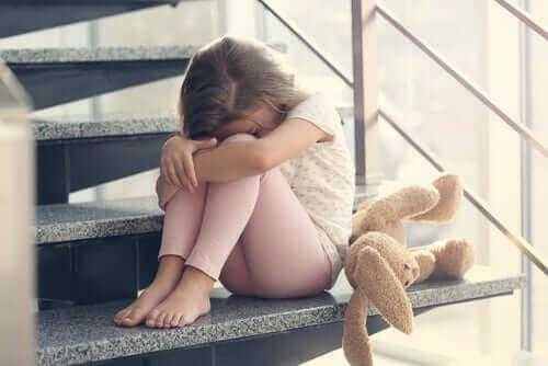 Załamana dziewczynka