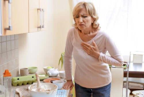 Dlaczego klatka piersiowa boli podczas oddychania?