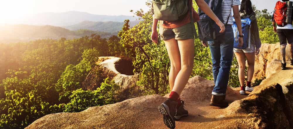 Buty do trekkingu to dobry prezent dla zapalonych wędrowców.