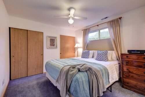 Doskonała sypialnia: 4 najlepsze rodzaje łóżek