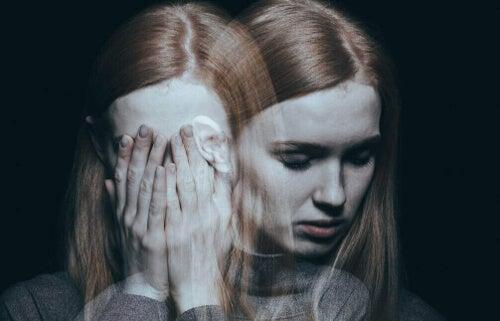 Kobieta z zaburzeniami dwubiegunowymi