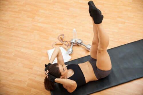 Mięśnie skośne brzucha - 6 propozycji ćwiczeń