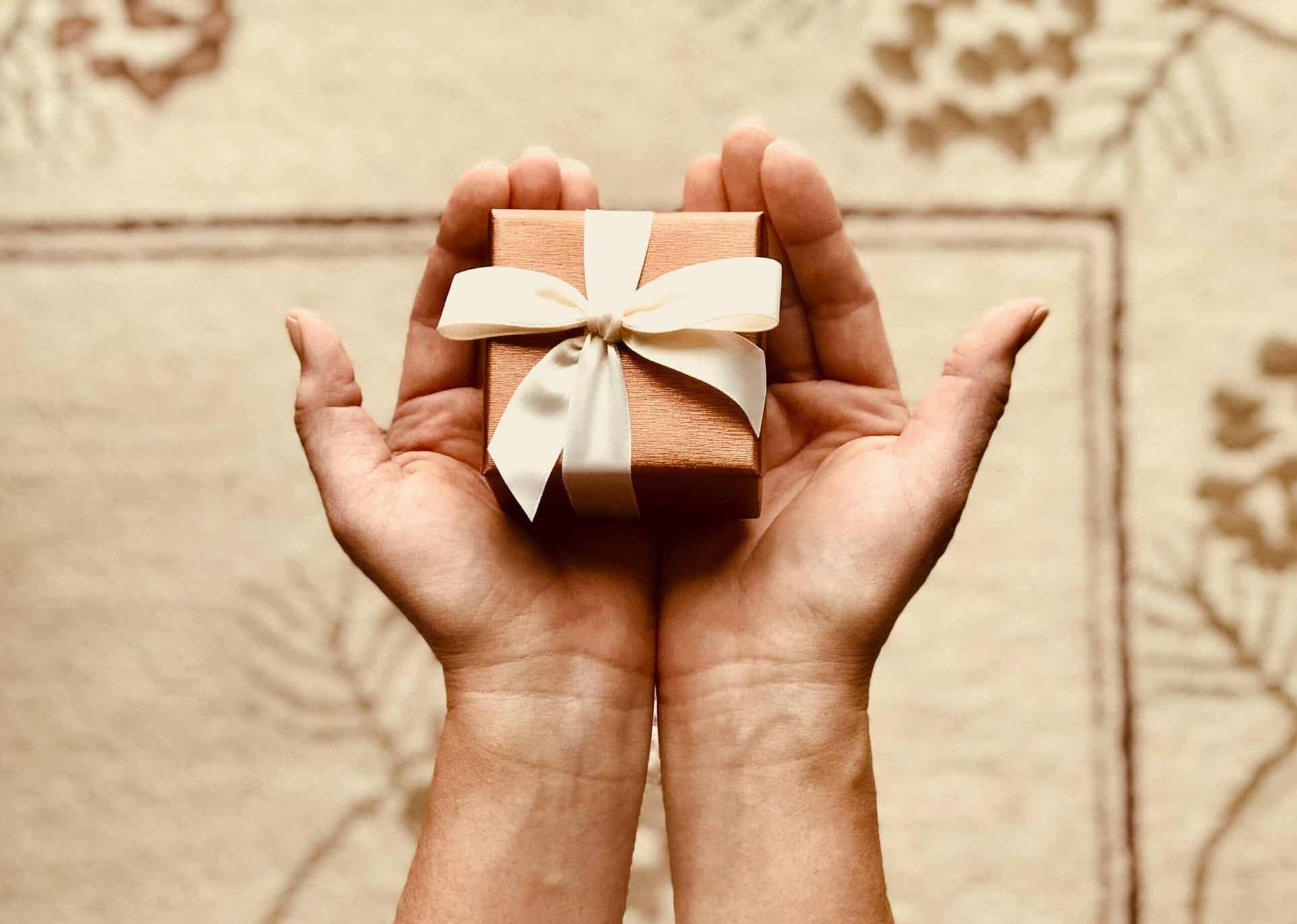 By wybrać odpowiedni prezent, postaraj się wczuć w sytuację obdarowywanego.