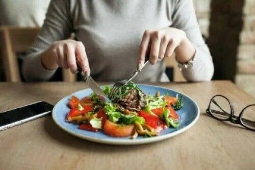 Dowiedz się, jak Talerz Zdrowego Odżywiania może poprawić Twoją dietę