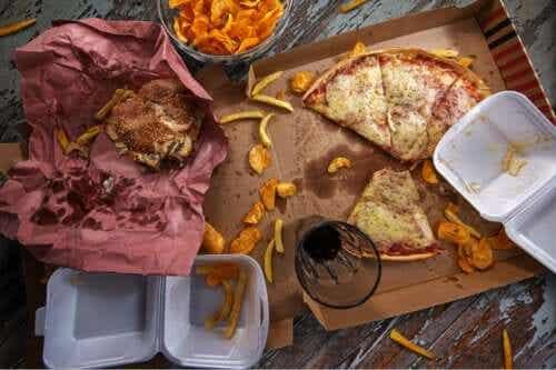 Hipersmaczna żywność: poznaj ryzyko związane z jej spożywaniem