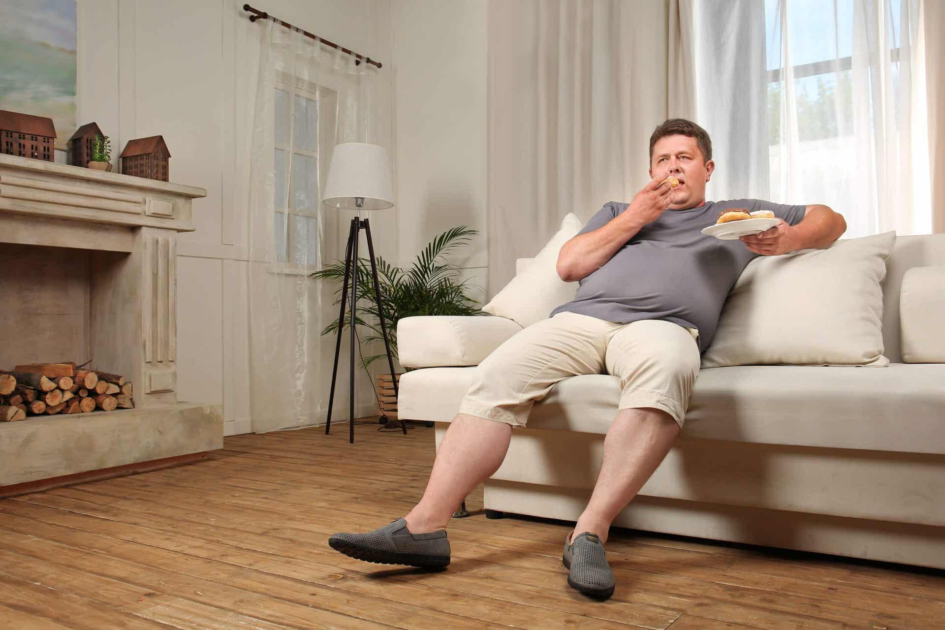 Wydęty brzuch to problem nie tylko osób otyłych.
