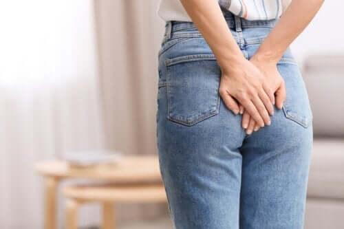 Podwiązanie hemoroidów opaską elastyczną: na czym polega?