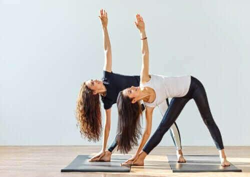 Na czym polega joga na chorobę zwyrodnieniową stawów?