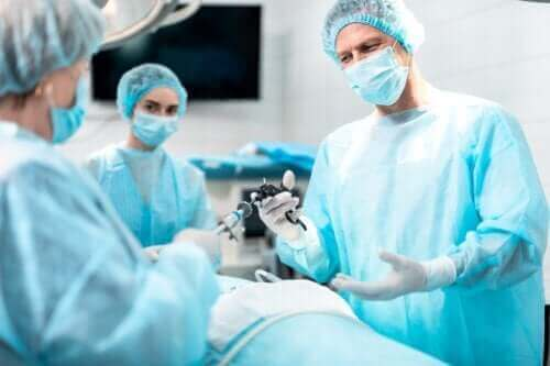 Laryngektomia: poznaj cele i założenia tej procedury