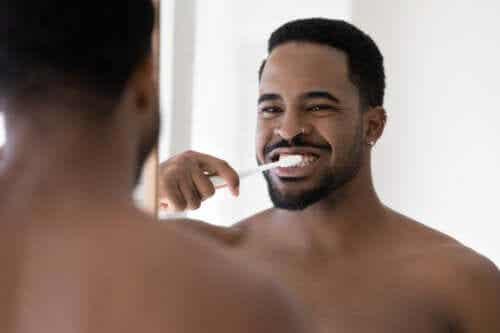 Nawyki które źle wpływają na zęby
