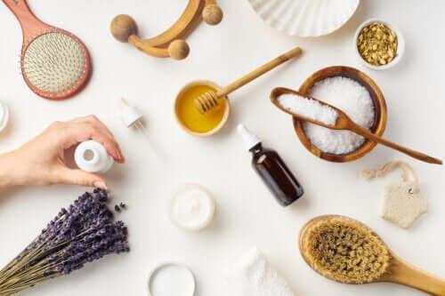 Składniki produktów do makijażu - poznaj najczęściej występujące