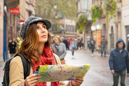 Kobieta w obcym mieście