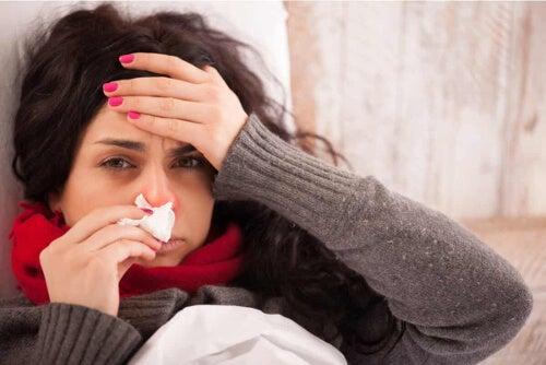 Kobieta chora na grypę