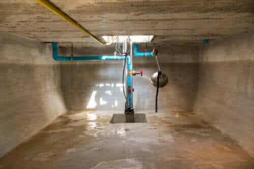 Zbiornik na wodę - jak go prawidłowo wyczyścić?