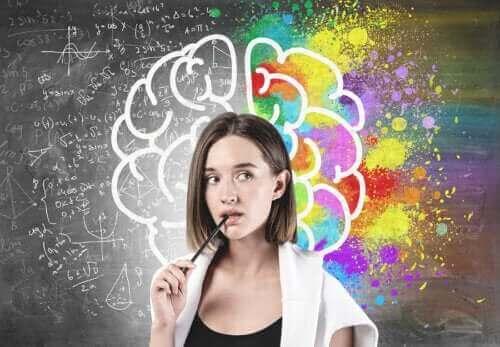 Na czym polega różnica między mózgiem a umysłem