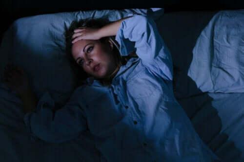 Zmartwienia nie pozwalają ci spać - co zrobić?
