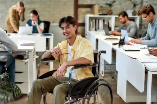 Osoby niepełnosprawne - 5 zaleceń, jak je prawidłowo traktować