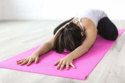 Ćwiczenia jogi dla osób ze skoliozą pleców