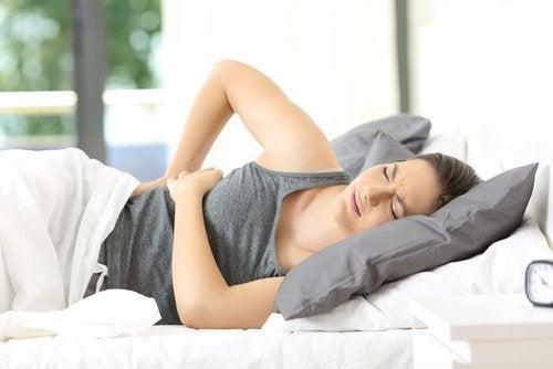 Fibromialgia powoduje intensywny ból mięśni i stawów — jak z nią żyć?
