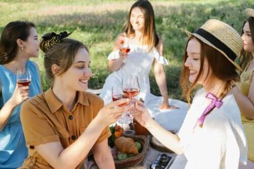 8 wskazówek, jak zorganizować letnie przyjęcie